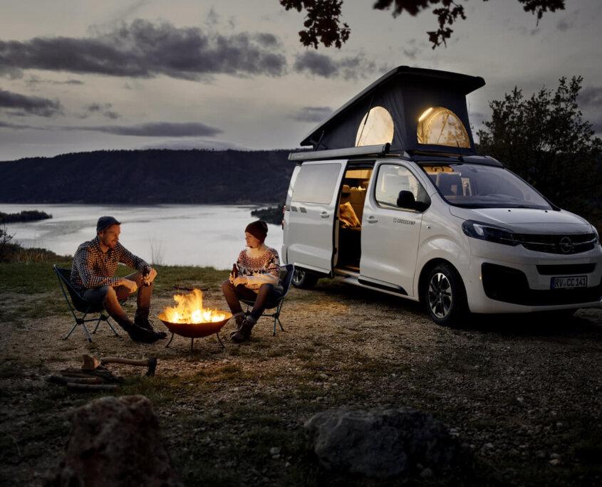 Opel-Berkemeier-Zafira-Life-CROSSCAMP-Lagerfeuer