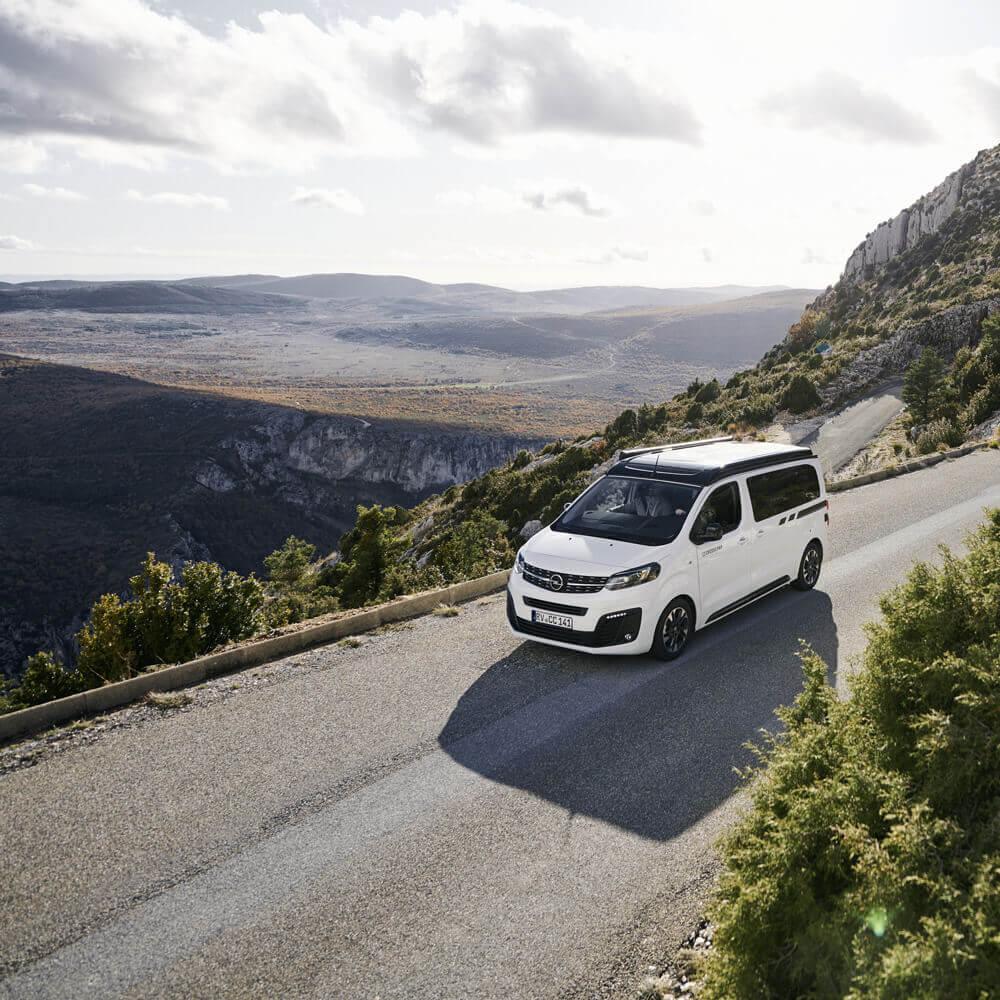 Opel-Berkemeier-Zafira-Life-CROSSCAMP-Panorama2